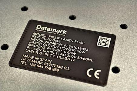 Marcaje grabado de placas de metal por laser
